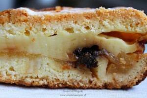 Ciasto z jabłkami i budyniem.