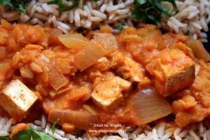 Curry z czerwonej soczewicy.