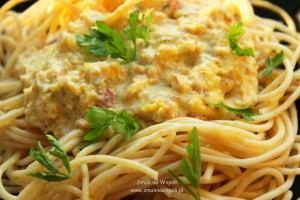 Spaghetti z sosem dyniowym.
