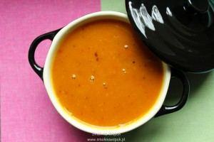 Zupa z pieczonej dyni hokkaido i pomarańczy.