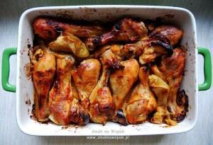Udka kurczaka pieczone w cydrze i w jabłkach.