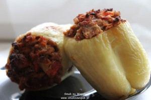 Papryka faszerowana w stylu bałkańskim.