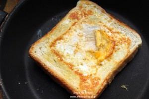Pomysł na śniadanie: jajko sadzone w toście.