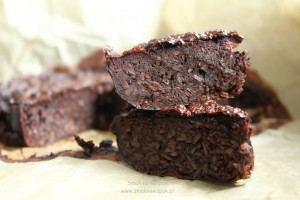 Dietetyczne ciasto czekoladowe (bez mąki i cukru).