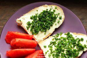 Pomysł na śniadanie: serek topiony ze szczypiorkiem